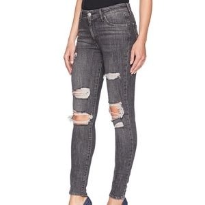 NWT * Levis 721 High Rise Skinny Jeans